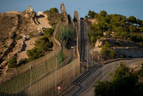 La frontera entre España y Marruecos en Melilla el 16 de octubre pasado. (Foto Pierre-Philippe Marcou. AFP)